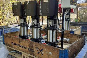 Доставка установок повышения давления Hydro Multi-E на объект